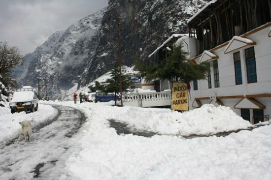 Govindghat in winter,last road for the trek to valley of flowers