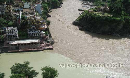 Devprayag, Confluence of river Alaknanda and Bhagirathi